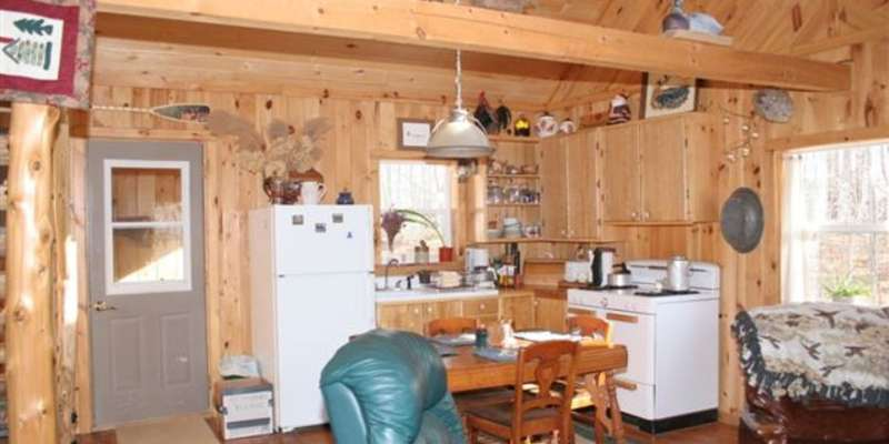 The secluded cabin at Penokee Mountain Inn sleeps four and offers a full kitchen.