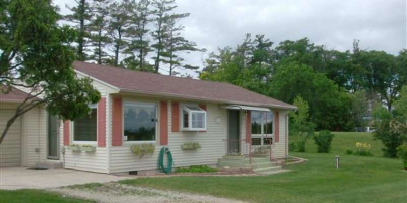 Little Sturgeon Vacation Rental 2 bedroom