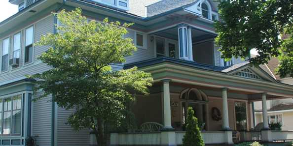Underwood-Hagge House - 507 McIndoe Street. Built in 1894/1904; Queen Anne/Classical (altered 1904).