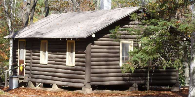 Vacation in our authentic log cabins...