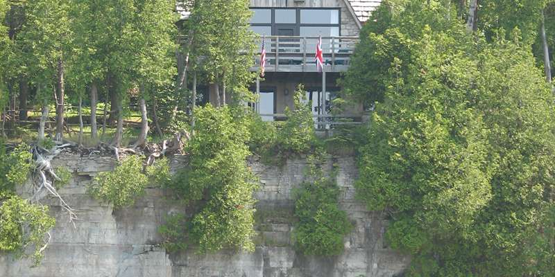 A Cliffside Home Rental
