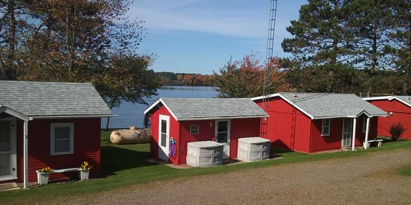 Loon Bay Resort-Roadside-Cabins