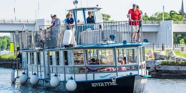 Fox River Tours boat, the River Tyme