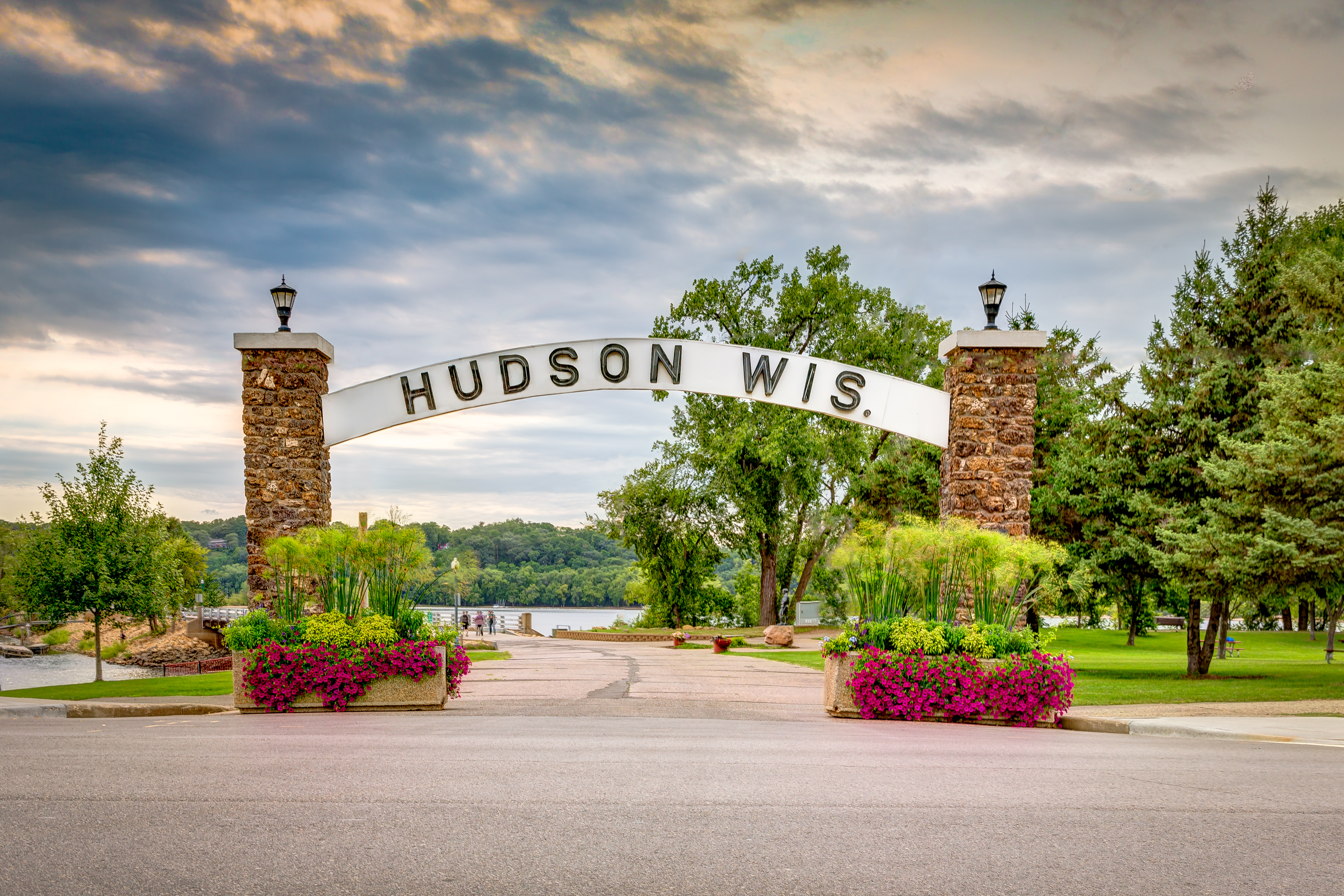 Hudson Area Chamber of Commerce & Tourism | Travel Wisconsin