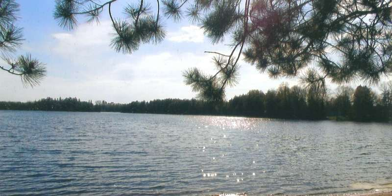 Spend your vacation on Beautiful Gordon Lake at Sunset Paradise...