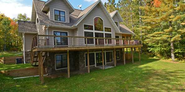 Upper Clam Lake Vacation Rental