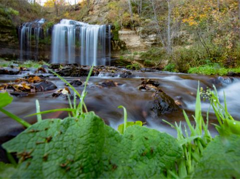 7 Easy Access Picnic Perfect Wisconsin Waterfalls (W - Spring)
